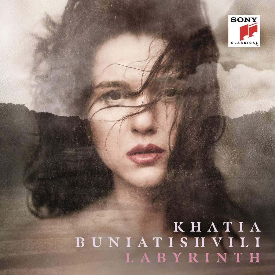 Khatia Buniatishvili - Concerto in D Minor、BWV974:II Adagio Labyruinth